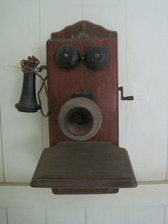 Old wall telephone (1920s), Waipahu.