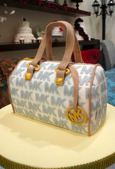 Michael Kors Handbag cake #torreon