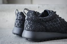 Fresh #black #Nikes. I love the geometric #pattern on these bad boys. I want want WANT