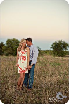 Engagement Portrait Ideas Dallas Fort Worth Area Wedding Photographers Save the Date Ideas that are oh so cute!0001