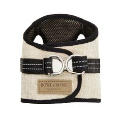 Practical fashion-loving canines will adore this harness from Bowl&Bone Republic. Made from amazingly soft materials – this harness is long-lasting but stylish, and has reflective adjustable straps so your pooch will be more visible during darker walks. Additional information and key product features: Soho Dog Harness in Cream. Made of high quality material with mesh on the outside making them breathable and lightweight. Easily adjustable reflective straps. Size guide:Extra...