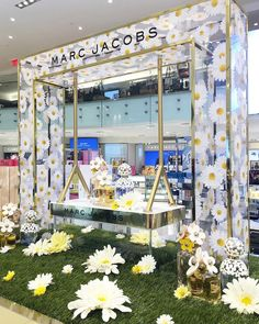 "MACY'S, Herald Square, New York, ""The Daisy Collection"", by Marc Jacobs, pinned by Ton van der Veer"