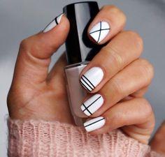 Image via We Heart It https://weheartit.com/entry/166183217/via/18779357 #beauty #black #fashion #lines #nails #white