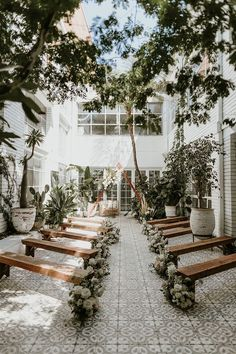 Wedding Planning Advice For Throwing The Perfect Wedding Wedding Ceremony Ideas, Wedding Trends, Ceremony Decorations, Wedding Backdrops, Wedding Ceremonies, Ceremony Backdrop, Wedding Aisles, Best Wedding Ideas, Wedding Chapels
