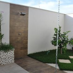 Jardim - Decoração, Fotos, Dicas e Ideias - Viva Decora Outdoor Bathroom Design, Pool Shower, Backyard Design, Outdoor Bathrooms, Outdoor Garden Lighting, Outside Showers, Garden Shower, Outdoor Shower, Patio Design