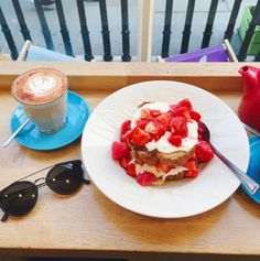 Mimi Ikonn | A little Sunday treat- gluten free coconut bread with strawberries at Daisy Green Food in London | Healthy & Delicious