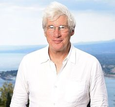 Richard Gere responded to the viral photo of himself as a homeless man for film Time Out of Mind on Monday, Oct. 26 — read his surprising post