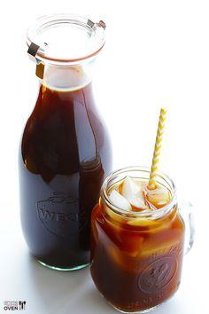 Necesitamos   540 ml de agua mineral a temperatura ambiente  40 gramos de café natural (tueste medio) recién molido   Preparamos   1. Po...