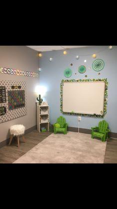 Cactus. Classroom. Green blue. Whiteboard. Circle time. Preschool. Emily. Elementary Classroom Themes, Classroom Decor Themes, Classroom Design, Future Classroom, Classroom Organization, Classroom Ideas, Preschool Rooms, Kindergarten Classroom, Classroom Whiteboard