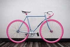 Photo from JoeyLu Dear Santa: Remember that pink bike I was eyeballing a few months ago? No problem because I've included a picture of it...