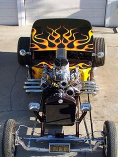 Low Blow Black and Flamed Hot Rod Classic Hot Rod, Classic Cars, Classic Style, Hot Rods, Carros Audi, Chevy, T Bucket, Karting, Us Cars