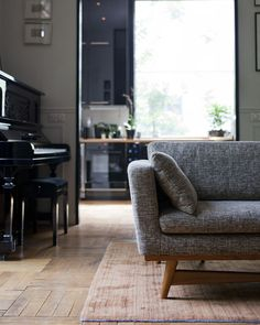 sofa | frankly esoteric