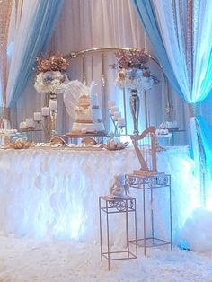 Como organizar un baby shower: tendencias – Deco Ideas Hogar Baby Girl Shower Themes, Baby Shower Fun, Shower Party, Baby Shower Parties, Baby Shower Decorations, Angel Baby Shower, Angel Theme, Baby Shower Winter, Love Is In The Air
