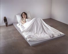 0819834c7e8 ARTrip •  ☀ Hyper Realistic Sculptures - by Ron Mueck Human Sculpture
