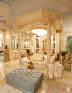 Liberaces Grecian-style bathroom