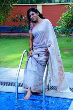 Mallu Serial Actress Navel Show Pics In Saree Photos Asha Sarath, Actress Navel, Saree Navel, Malayalam Actress, Beautiful Dresses, Sari, Actresses, Indian, Actors