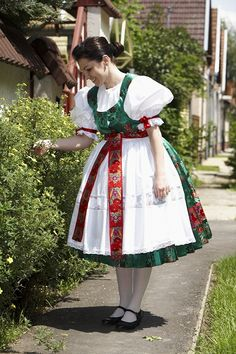 Hungarian tradition dress - Magyar népviselet