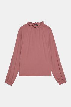 TOP FLUIDE À VOLANTS | ZARA France Collar Top, High Collar, Ruffle Top, Ruffles, Zara Home Stores, Quoi Porter, Flowy Tops, Zara Women