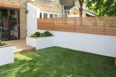 The perfect style of fence for our garden (Garden Design Balham, London, Carolin. - The perfect style of fence for our garden (Garden Design Balham, London, Caroline Garland Garden Des - Backyard Garden Design, Small Garden Design, Backyard Landscaping, Landscaping Ideas, Fence Garden, Backyard Designs, Garden Walls, Small Garden Wall Ideas, Small Square Garden Ideas
