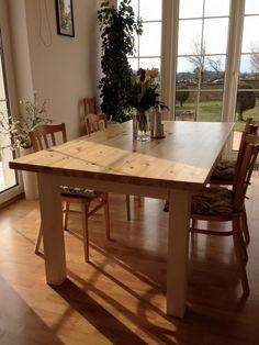 MASIVNÍ+JÍDELNÍ+STŮL+Masivní+jídelní+stůl+vyrobený+z+borovicového+dřeva.+Deska+stolu+borovicová+spárovka+o+tlouštce+4cm+Nohy+stolu+z+borovice+-+šířka+cca+9cm+Rozměry+stolu+-+délka+180cm,+šířka+100cm,+výška+76cm++Barevné+provedení+-+deska+-+bezbarvý+lak,+nohy+stolu+-+slonová+kost+*na+požádání+provedeme+jiné+barevné+provedení+či+bez+povrchové+úpravy New Homes, Dining Table, Rustic, Diy Stuff, Inspiration, Furniture, Home Decor, Rustic Kitchen Design, Dining Room