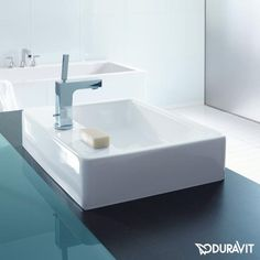 Duravit Vero countertop washbasin white, with WonderGliss, with 1 tap hole, with overflow