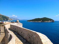 Muren van Dubrovnik en het eilandje Lokrum