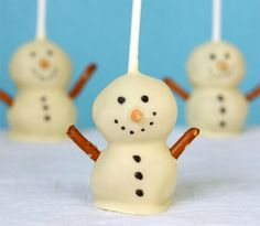 Snowman cake pops! So amazing! I used devils food cake mix and milk chocolate Betty Crocker frosting!!  These turned out so good!!
