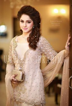 Bridal engagement dresses collection consists of hottest trends, styles & beautiful designs of Pakistani & Asian gowns, frocks, lehengas, etc. Bridal Collection, Dress Collection, Dulhan Dress, Pakistani Formal Dresses, Party Kleidung, Engagement Dresses, Casual Summer Dresses, Simple Dresses, Classy Dress