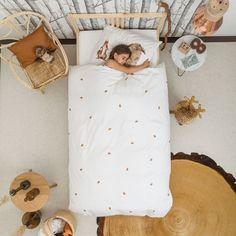 Une chambre naturelle pour une petite fille