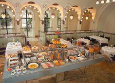 K+K Central Hotel-Prague - Love & Adventure Breakfast Buffet Table, Lunch Buffet, European Breakfast, Kos, Teacher Breakfast, Party Spread, Continental Breakfast, Breakfast Recipes, Breakfast Ideas