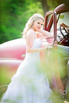 Country Chic at www.cedarwoodweddings.com