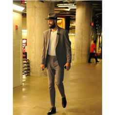 """""""SLICKEST 7 FOOTER in the game, DALLAS MAVS @TysonChandler . Check out his Game 5 look. Thoughts? #morethanstats"""""""
