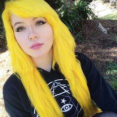 My hair color😜 Yellow Hair Dye, Hair Color Blue, Color Yellow, White Hair, Hair Colorful, Bright Hair Colors, Bright Yellow, Hair Colours, Hair Rainbow