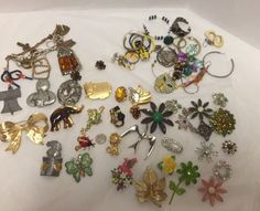 Jewelry Lot Brooches Pendants Earrings Pendants Bracelet Vintage 70 Pieces