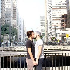 Feliz dia dos namorados 👬✨ Tem um vídeo especial para o dia dos namorados lá no canal, o link tá aqui na descrição 📍 --- It's Valentine's Day in Brazil, so Happy Valentine's 👬✨ There's a new special video for this date on my YouTube channel, click the link in my bio to watch it 📍
