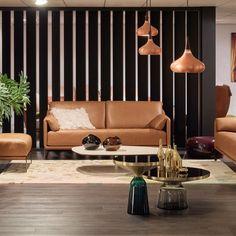 DURLET - Lima: Sofa (185 cm - Gaucho leder -  excl. afgebeelde accessoires).  Lima is een compacte sofa met een rijkdom in uitstraling.