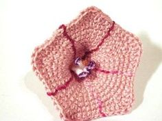 crochet morning glory  from Meli Bondre.  Very generous with the free crochet flower patterns.