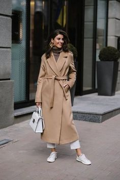 Coat with a heater Woolen coat with a belt Woman coat with english collar Winter coat Long coat Designer coat Fashionable coats Ladies coat Looks Style, Looks Cool, Look Fashion, Winter Fashion, Fashion Coat, Iu Fashion, Fashion Trends, Parisian Fashion, Bohemian Fashion