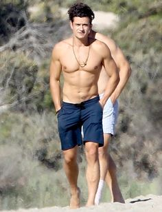 Orlando Bloom reminded us that he's got quite the hot body in Malibu! Get the details!