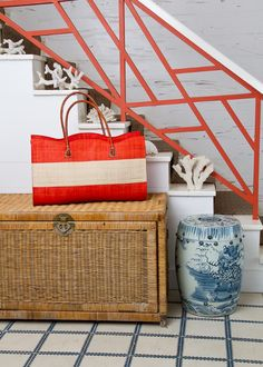 I think I need to add some coral touches to our house. Maybe do the cross frame in coral?  La Dolce Vita: Color Crush: Coral