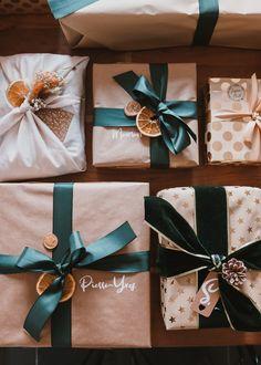 Mes emballages cadeaux de Noël 2020 - Pauline Dress - Blog Mode, Lifestyle et Déco à Besançon Pauline Dress, Furoshiki, Deco, December, Presents, Gift Wrapping, Packaging, Lifestyle, Etsy