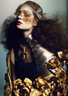 Magazine Vogue Italia Issue September 2005 Model Lily Cole and Marina Dias Photographer Richard Burbridge Editorial Hair, Beauty Editorial, Editorial Fashion, Fashion Art, Fashion Beauty, Fashion Portraits, Richard Burbridge, Richard Avedon, High Fashion Photography