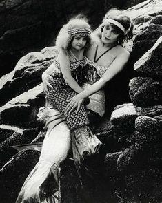 "Production still of ""Mermaid Land"" in the lost filmA Daughter of the Gods (1916, dir. Herbert Brenon)"