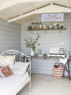 beach hut interior | Curb Your Curiosity: Giddy Kipper