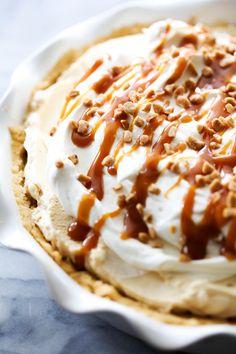 Caramel Cream Pie - Chef in Training Cream Pie Recipes, Tart Recipes, Sweet Recipes, Amish Recipes, Blender Recipes, Orange Recipes, Caramel Pie, Caramel Apples, Pie Dessert