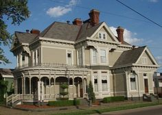 902 8th St, Portsmouth, Ohio Victorian Home
