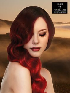 Rolling Fog  is a Pret-a-Porter look inspired by the evening fog saying goodbye to the day light when it is time for the sun to set and turn the horizon into darker shades. Soft balayage gradation technique is applied to get the result of elegant red hair by using Makarizo Concept Ultimax.