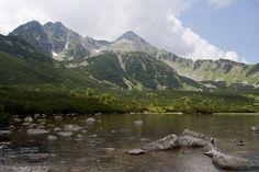 Výlet na Biele plesá, Kopské sedlo a naspäť cez Zelené pleso.   Malý návod na pol až celodennú, stredne náročnú túru do Vysokých Tatier. Cieľ je Veľké biele pleso, z ktorého môžete pokračovať na Kopské sedlo. východískové miesto sú Tatranské Matliare pri Tatranskej Lomnici, resp. zastávka Biela voda. Trvanie túry 5,5 Hod, ak ju rozšírime, aj 8Hod pešej turistiky. Trips, Mountains, Nature, Travel, Viajes, Naturaleza, Traveling, Destinations, Nature Illustration