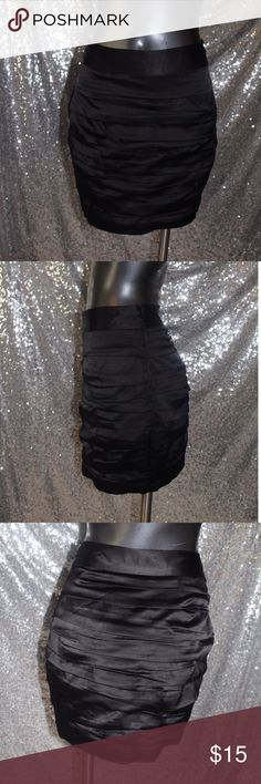 "Express Ruffle Skirt Size 00 Black Solid Measurements 15"" Length Materials 96% Polyester, 4% Spandex Express Skirts Mini"