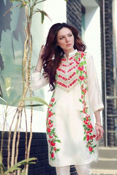 Fashion: Indian Wedding Clothing Store, Shop Designer Traditional Clothes Online for Mens, Women & Kids. Pakistani Outfits, Indian Outfits, Pakistani Clothing, Couture Dresses, Fashion Dresses, Traditional Trends, Indian Clothes Online, Desi Clothes, Ethnic Clothes